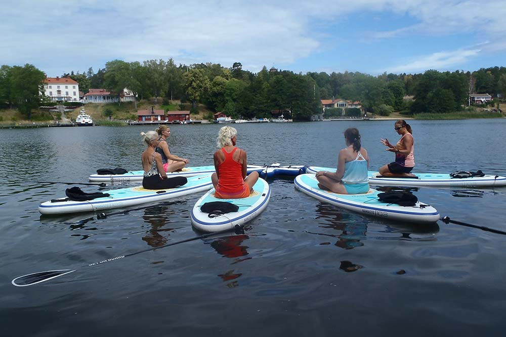 SUP Yoga (Yoga på vatten)